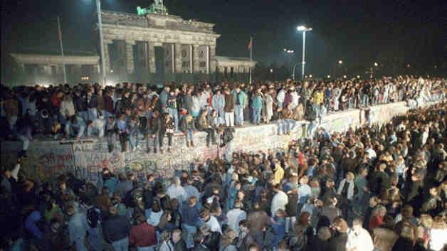 Relato Histórico de la Caída del Muro de Berlín
